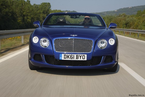 Bentley Continental GTC W12 на выставке в Пекине