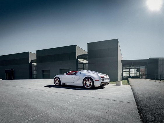 Bugatti Veyron 16.4 Grand Sport Vitesse самый быстрый родстер в мире