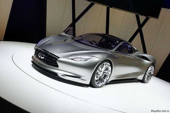 Концепт Infiniti Emerg-E с уменьшенным автомобильным выбросом