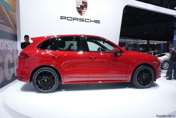 Porsche Cayenne GTS на выставке в Пекине