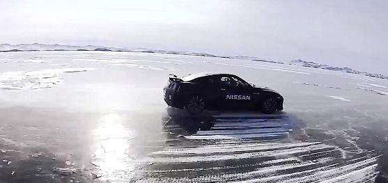 Nissan GT-R рекорд скорости на льду