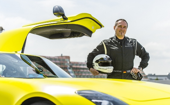 Электрический автомобиль Mercedes SLS AMG Electric Drive