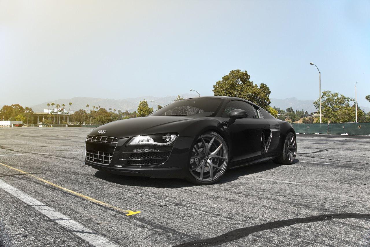 Audi R8 V10 on Zito Wheels