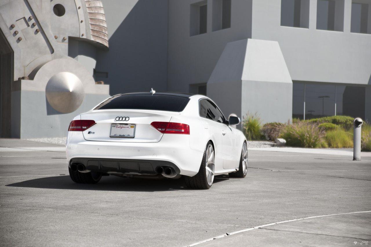 Audi S5 on Zito Wheels