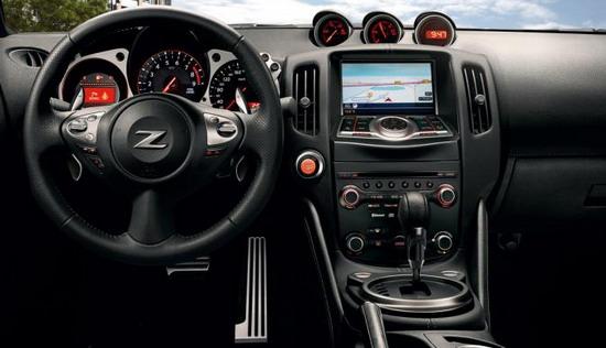Nissan 370Z версия модели 2013 года